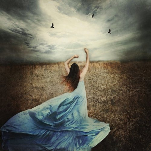 (https://www.etsy.com/listing/190383076/surreal-portrait-photograph-girl-in-blue?ref=market)