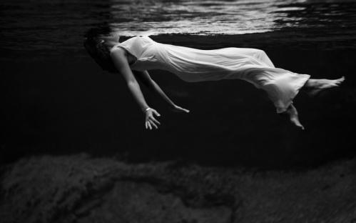 floatinggirl
